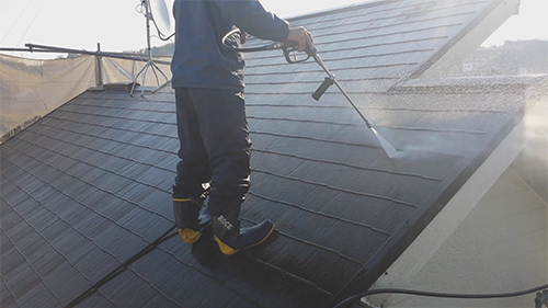 2013年12月2日 川崎市梶ヶ谷の外壁塗装:屋根洗浄
