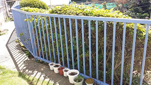 2013年9月3日 横浜市保土ヶ谷区新井町にて鉄部塗装:フェンス