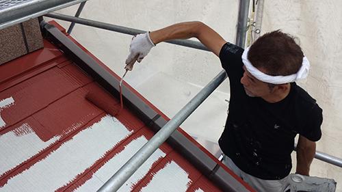 2013年8月4日 横浜市都筑区にて外壁塗装:下屋根中塗り