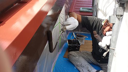2013年8月7日 横浜市都筑区にて外壁塗装:破風上塗り1