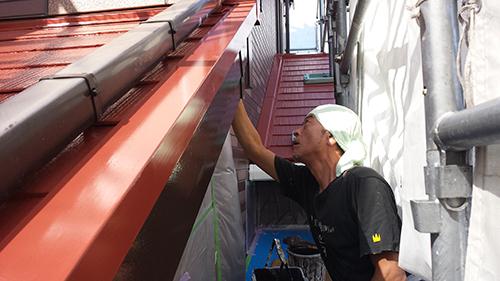 2013年8月7日 横浜市都筑区にて外壁塗装:破風上塗り2