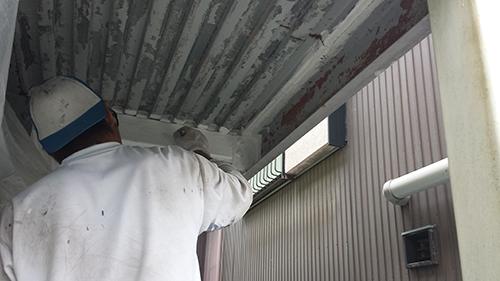 2013年9月10日 保土ヶ谷区峰岡町での鉄部塗装:錆び止め