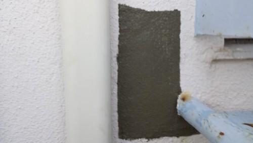 2013年8月7日 横浜市保土ヶ谷区の花物語外壁補修:モルタル充填