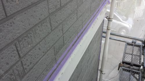 2013年8月27日 旭区さちが丘早川邸:目地へのプライマー塗布