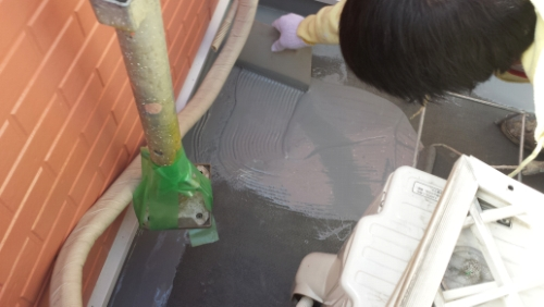 2013年10月18日 横浜市南区堀ノ内 防水:レベラーで馴らし