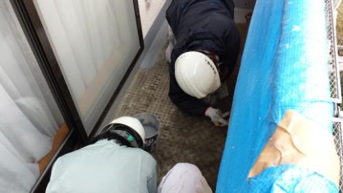 2013年12月9日 都筑区の防水工事:立上り1層目
