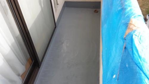 2013年12月9日 都筑区の防水工事:クロス張り完了
