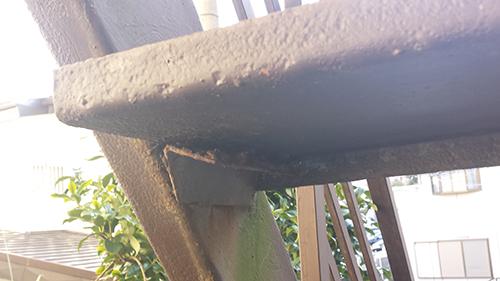2014年1月12日 旭区白根アパート:鉄階段傷み2