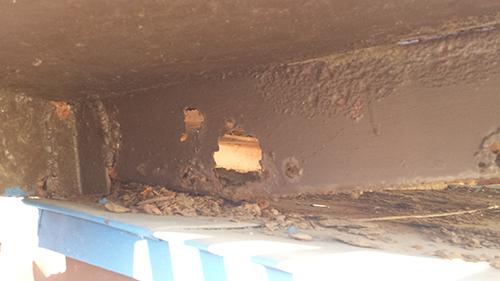 2014年1月12日 旭区白根アパート:鉄階段傷み3