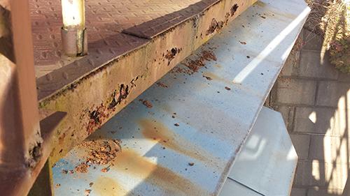 2014年1月12日 旭区白根アパート:鉄階段傷み5