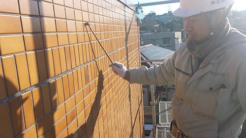 2014年1月16日 港北区マンション改修:打音検査