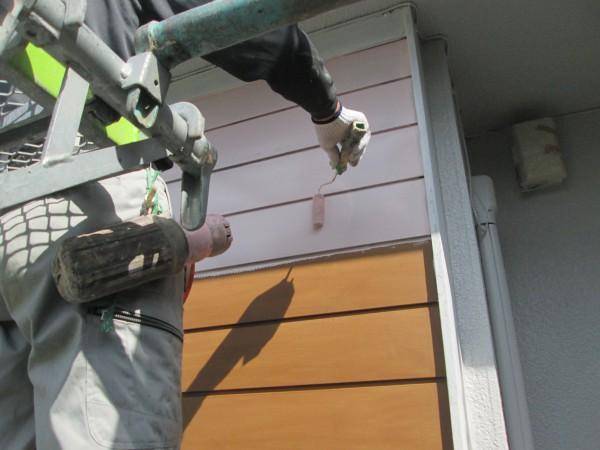 戸袋の下塗り。