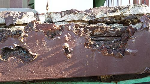 2013年11月20日 川崎市川崎区・鉄階段塗装:傷み1