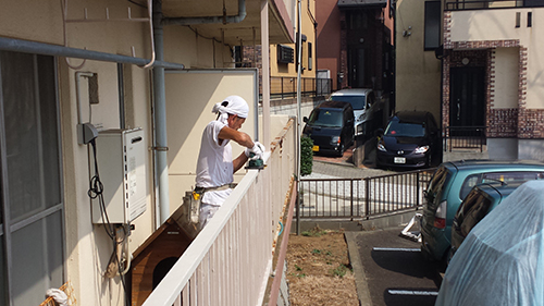 2013年8月22日 横浜市保土ヶ谷区にて鉄部塗装:ディスクサンダーケレン