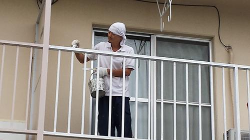 2013年8月26日 横浜市保土ヶ谷区にて鉄部塗装:手すり