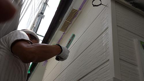 2013年7月28日 南区六ッ川にて外壁塗装:外壁上塗りクリヤー