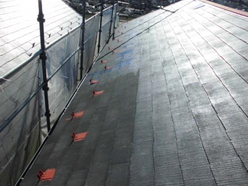 2014年1月16日 神奈川区白幡向町:屋根の下塗りシーラー塗布後