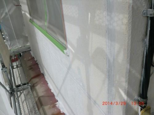 横浜市神奈川区:ALC外壁2回目下塗り