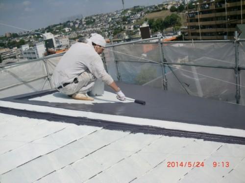 横浜市保土ヶ谷区:屋根遮熱中塗り2