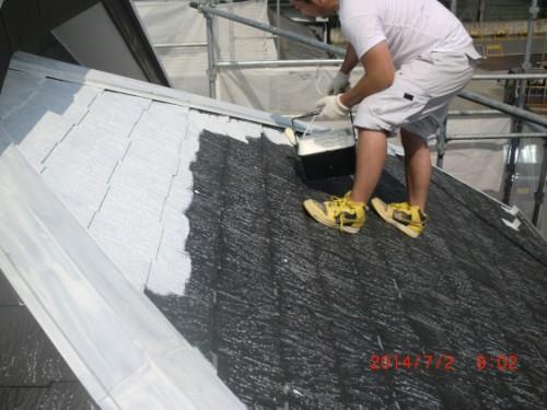 横浜市戸塚区:屋根下塗り中