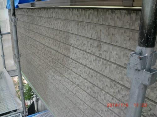 横浜市戸塚区:サイディング外壁下塗り中