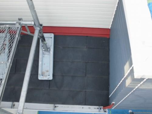 2014年3月8日 栄区公田町:下屋根鉄部下塗り