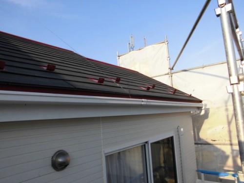 2014年3月8日 栄区公田町:屋根鉄部下塗り2