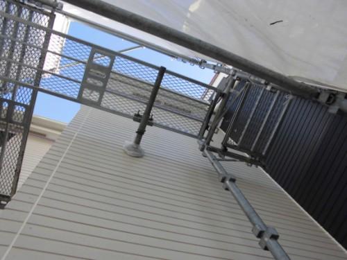 2014年3月15日 栄区公田町:外壁中塗り完了後