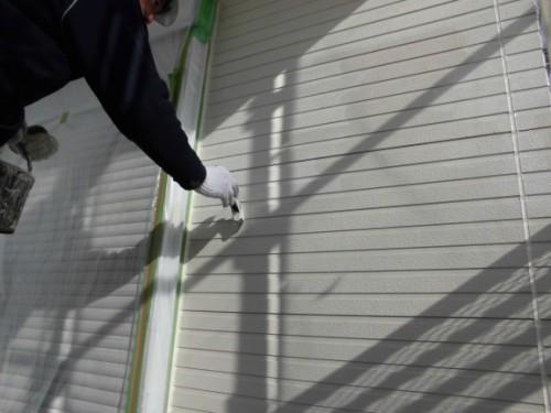 2014年3月16日 栄区公田町:外壁中塗りダメ込み2