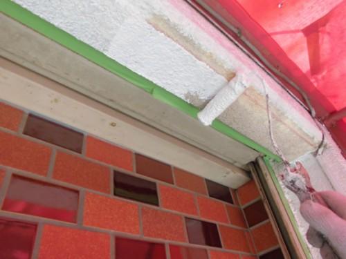 横浜市神奈川区:玄関前外壁下塗り2回目