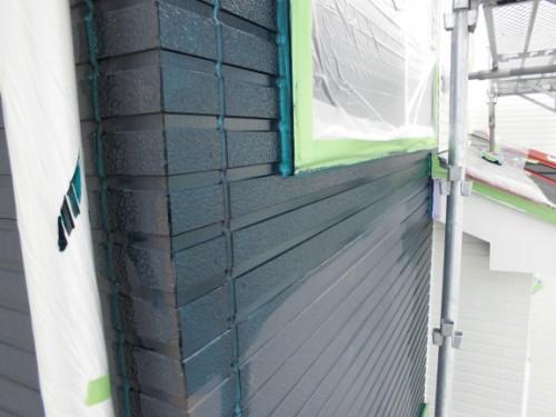 2014年3月18日 栄区公田町:外壁中塗りダメ込み