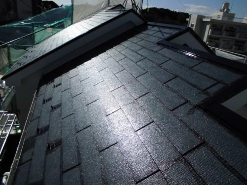 2014年3月22日 栄区公田町:屋根中塗りダメ込み後