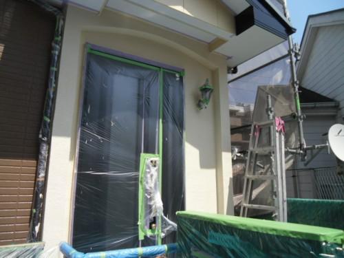 横浜市旭区:玄関周り外壁上塗り完了