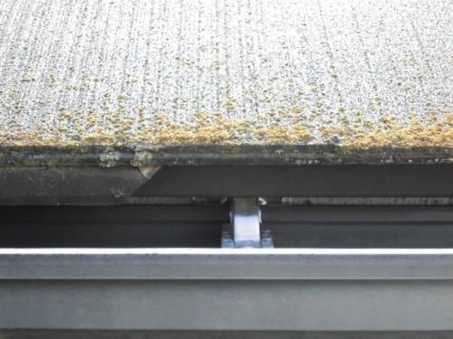 横浜市保土ヶ谷区:洗浄前の屋根2