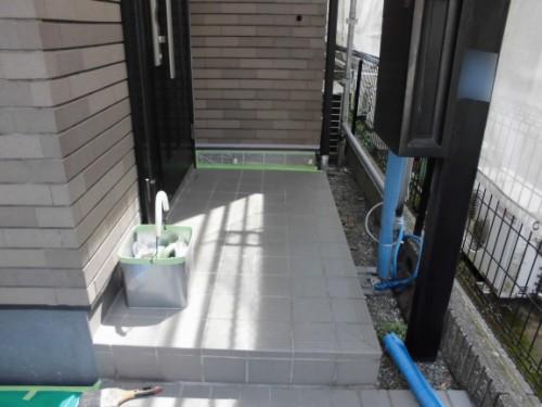 横浜市保土ヶ谷区:玄関基礎の養生