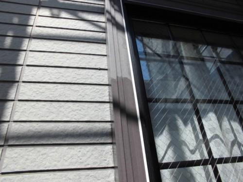 横浜市保土ヶ谷区:窓枠シーラー下塗り