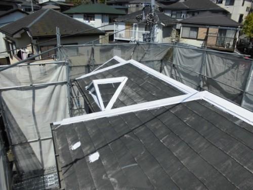 横浜市保土ヶ谷区:屋根鉄部錆止め塗布
