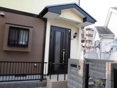 横浜市旭区:塗装完了後の玄関周り
