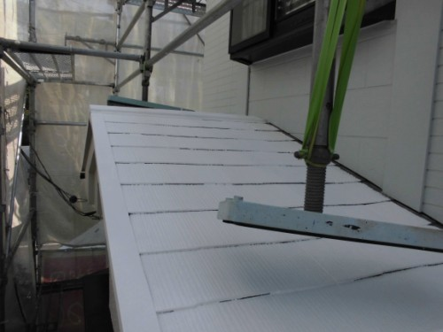 横浜市保土ヶ谷区:下屋根中塗り2回完了後