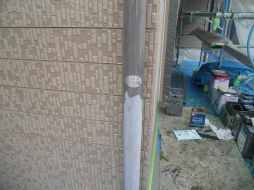 横須賀市久里浜:樋の下塗り中