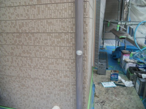 横須賀市久里浜:樋の下塗り後