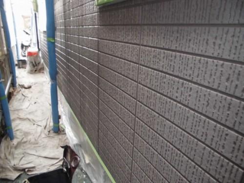 横浜市旭区:外壁シーラー下塗り後