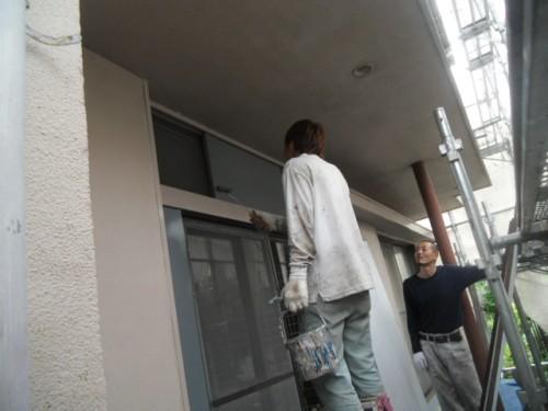 横浜市磯子区:雨戸中塗り