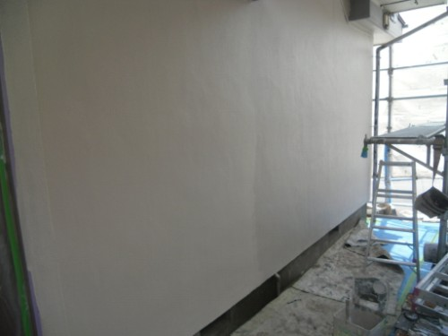 横浜市磯子区:モルタル外壁中塗り