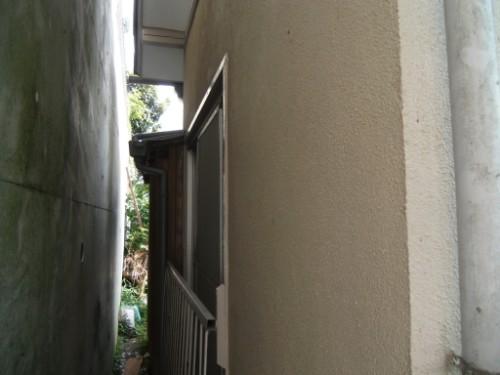 横浜市磯子区:ドア枠上塗り後