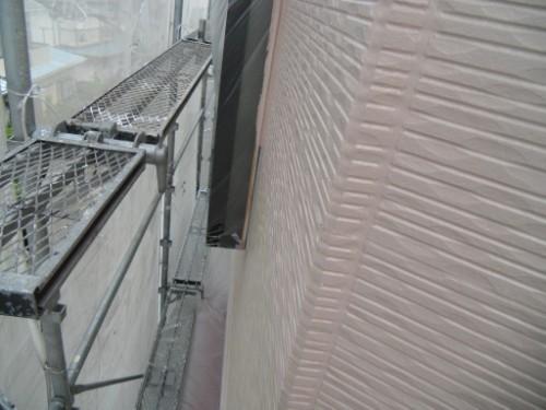 横浜市保土ヶ谷区:外壁上塗りダメ込み2