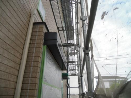 横浜市金沢区:シャッターボックス中塗り完了