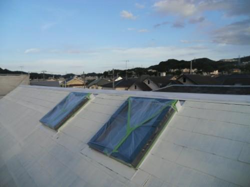 逗子市桜山:屋根遮熱下塗り