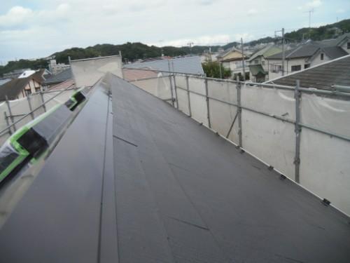 逗子市桜山:屋根中塗り後
