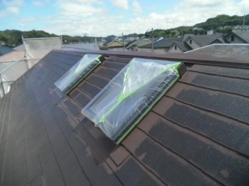 逗子市桜山:屋根中塗りダメ込み